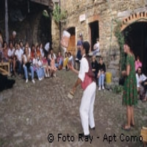 Street performance Lake Como Italy