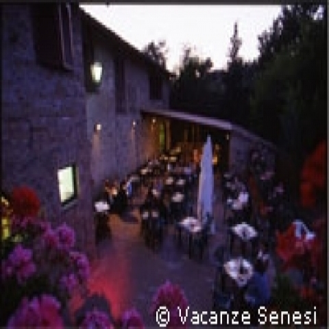 Dinner Al Fresco in a Siena country house Italy