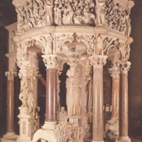 The marvelous pulpit by Pisano in Pisa Cathedral Italy
