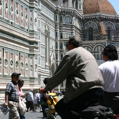 Florence Santa Maria Del Fiore People visiting