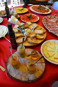 Pisa Food and Wine | Appetizers & Tuscan Cuisine Throughout The City