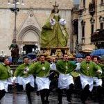 Abruzzo_Sulmona_running_madonna