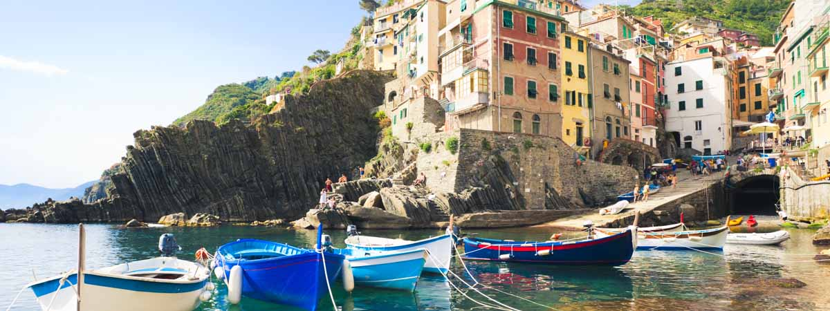 Walking Tour of the Cinque Terre | Vacation Packages for 2021 – 2022
