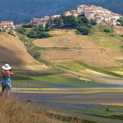 Umbria_Castelluccio_di_Norcia_View_Panoramic_