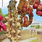 Calabria_Tropea_Red_Onions_Garlic_Hot_Salame_Food_Tipycal