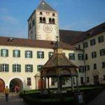 Trentino_Bolzano_Monastery_Square_Cloister