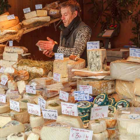 Trentino_Food_Open_Market_Local_Cheese