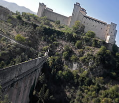 Spoleto_Umbria_Rocca_castle_bridge_of_the_Towers_blg