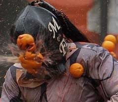 Ivrea: Oranges instead of Stones for the Miller's Daughter
