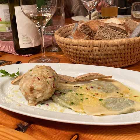Trentino_Bolzano_Food_Canederli_Schlutzkrapfen_dish