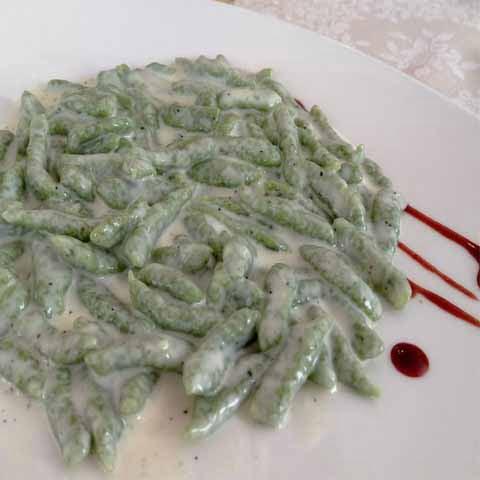 Trentino_Bolzano_Food_Spatzle_Tyrolean_Dish