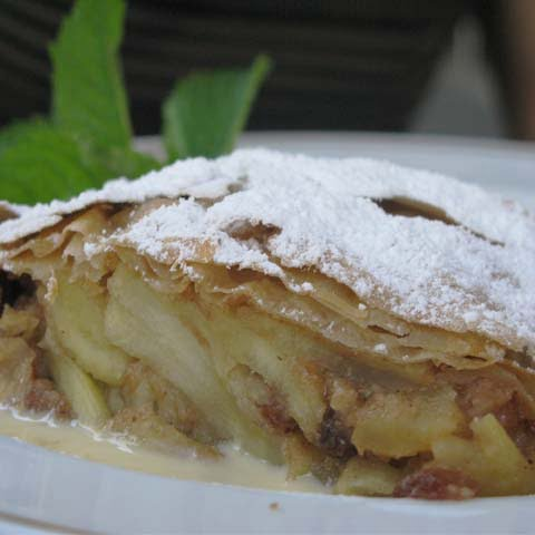 Trentino_Food_Strudel_Apple_Pastry