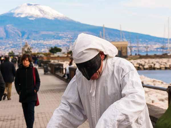 Campania_Naples_Pulcinella_Winter_Vesuvius