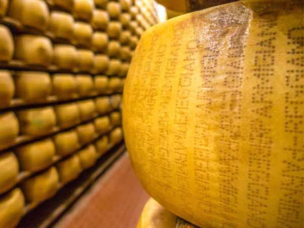 Emilia_Parma_Food_Parmigiano_Reggiano_Cheese