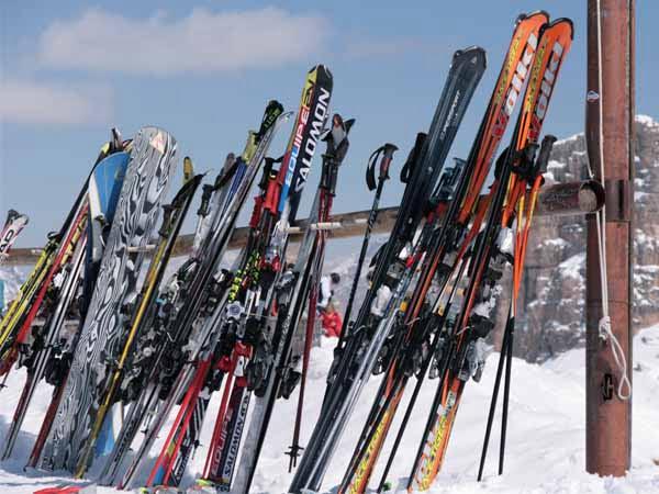 Italy_Mountain_Skiing_Winter_Snow