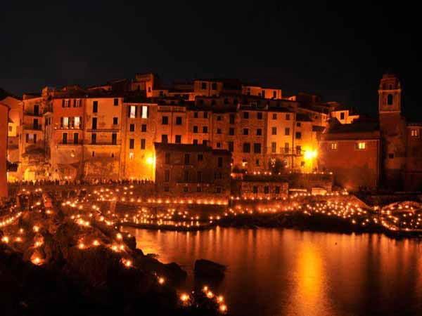 Liguria_Tellaro_Christmas_Lights