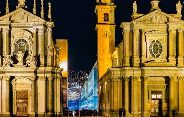 Piedmont_Turin_San_Carlo_Square_Christmas_Lights