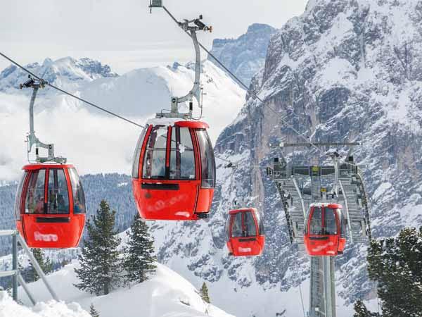 Trentino_ValFassa_Skilifts_Snow