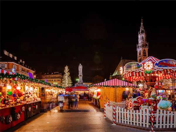 Trentino_Vipiteno_Christmas_Market_Scene