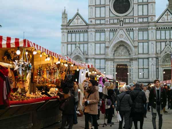 Tuscany_Florence_Christmas_Market_Santa_Croce