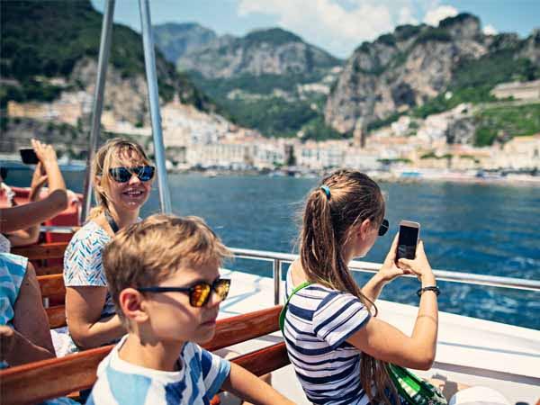 Campania_Amalfi_Family_Tour_Boat_Sea_View_