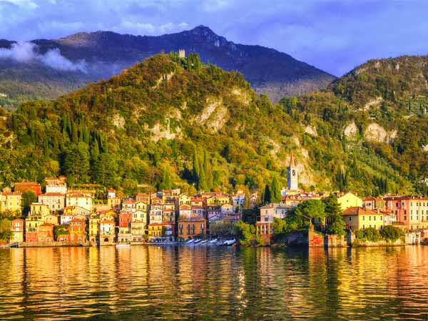 Lombardy_Lake_Como_Varenna_Town_View_Colors