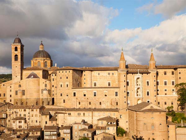 Marche_Urbino_Ducal_Palace_History_View