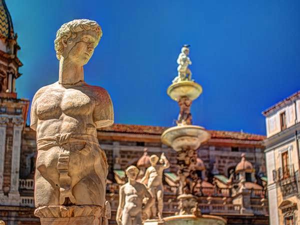 Sicily_Palermo_Fountain_Shame_Pretoria_Square_Monuments