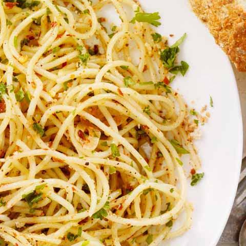 Italy_Food_Spaghetti_Aglio_Olio_Peperoncino_Dish