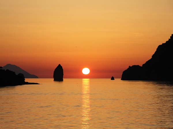 Sicily_Aeolian_Islands_Stromboli_Island_Details_View_Panorama_