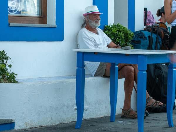 Sicily_Aeolian_Islands_Stromboli_Island_Details_people