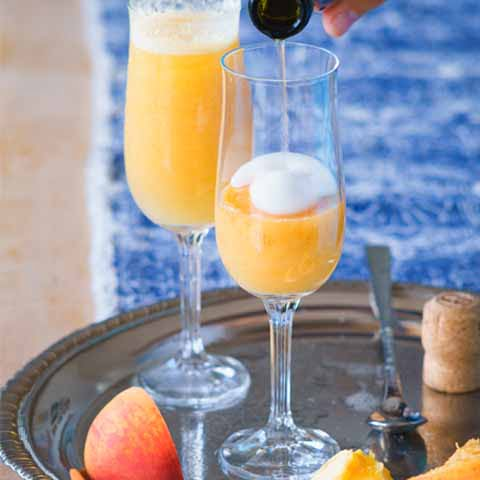 Italy_Food_Bellini_Peach_Drink_Prosecco