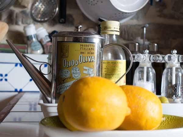 Italy_Food_Oil_Lemons_Ingredients