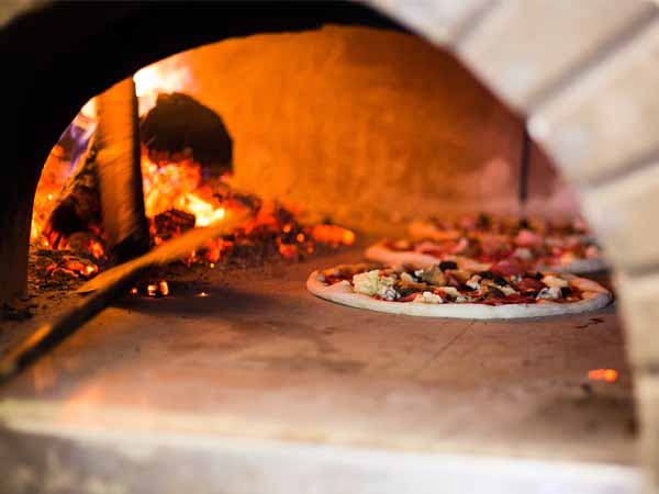 Italy_Food_Pizza_Wood_Owen_Food