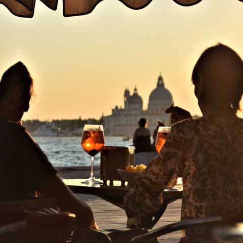 Italy_Food_Venice_Aperitiv_Couple_People