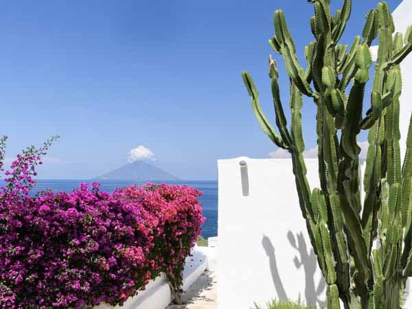 Sicily_Aeolian_Islands_Panarea_Coast_Housing_View_Sea