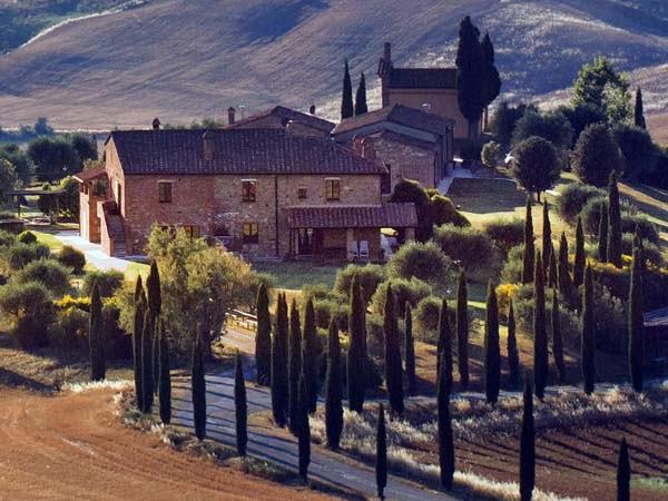 Tuscany_Chianti_Cypress_View_Panorama_Farms_Houses
