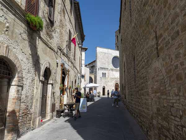 Umbria_Bavegna_Street_View_town_history_