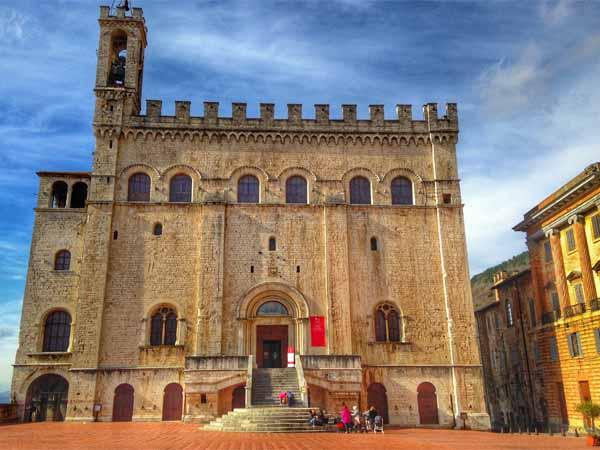 Umbria_Gubbio_Priori_Palace_History_Building_Square