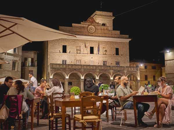 Umbria_Montefalco_Dinner_Food_Square_History