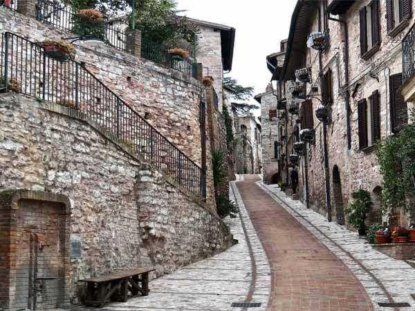 Umbria_Spello_street_view_culture