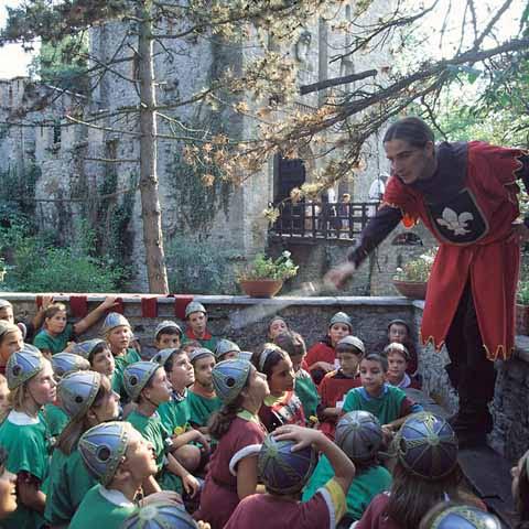 Emilia_Piacenza_Gropparello_Castle_Kids_knights_