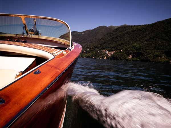Lombardy_Lake_Como_riva_Boat