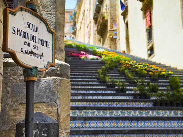 Sicily_Caltagirone_Santa_Maria_Monte_Stairs_infiorata