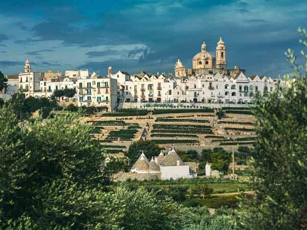 Apulia_Locorotondo_White_town